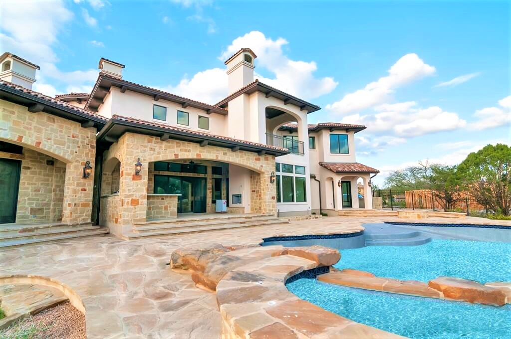 Beautiful Stucco Luxurious Home Built in Austin, TX